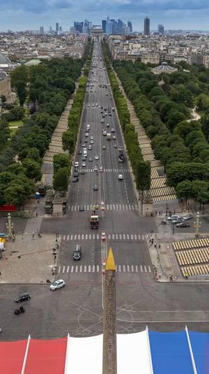 Avenue des Champs-Élysées (Les Champs)