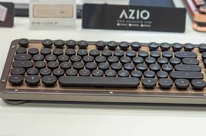 Azio Retro Classic Tastatur auf der IFA Berlin 2018