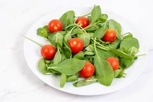 Baby Spinach wirh Cherry Tomato