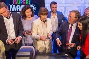 Bär, Reker und Laschet spielen Super Mario Party