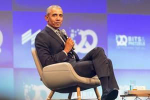 Barack Obama redet vor Unternehmensgründer auf der Bits & Pretzels Konferenz über Klimapolitik und Bildungssysteme