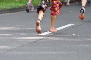 Barfußläufer beim Kölnmarathon