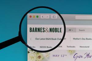 Barnes&Noble logo under magnifying glass