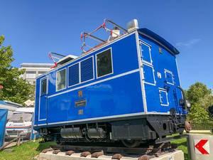 Bayerische Zugspitzbahn ausgestellt vor dem deutschen Museum Verkehrszentrum