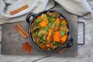 Beef Tajine with Carrot top View   Flip 2019