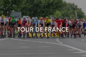 Bei der Tour de France Brussels starten die Radrennfahrer in der Brüsseler Innenstadt