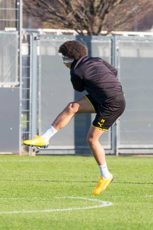 Belgian midfielder Axel Witsel in action during the Borussia Dortmund training