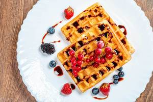 Belgian waffles with berries (Flip 2019)