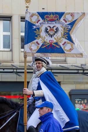 Berittener Fahnenträger der Kölner Funken Artillerie - Kölner Karneval 2018