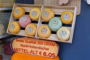 Bester Nord-Holländischer Gouda-Käse zum Verkauf an einem Stand in Venlo