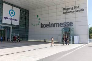 Besucher am Gamescom-Eingang Süd der Koelnmesse GmbH
