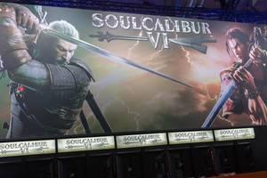 Besucher spielen Soulcalibur VI