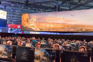Besucher zocken Assassin's Creed Origins – Gamescom 2017, Köln
