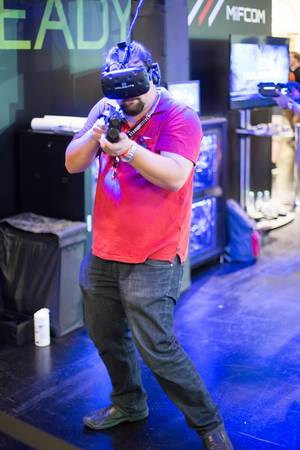 Besucher zocken VR-Multiplayer-System Hologate
