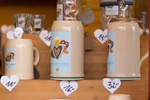 Bierkrüge in verschiedenen Größen – Oktoberfest 2017