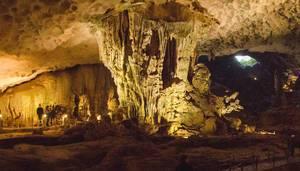 Big Underground Cave Halong Bay Vietnam  (Flip 2019)