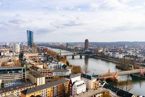 Birdview of Frankfurt on the river Main / Vogelschau von Frankfurt am Main