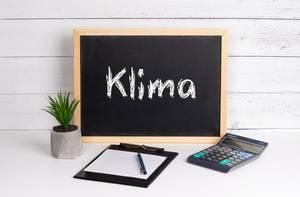 Blackboard with Klima text