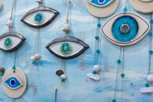 Blaue Augen schützen vor bösem Blick