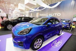 Blaues Ford Puma beim Auto Show in Bukarest, Rumänien