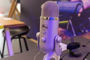 Blue Yeti USB Mikrofon für Youtuber, Gaming streams und Podcast