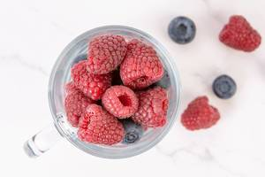Blueberries and Raspberries in the glass (Flip 2019)