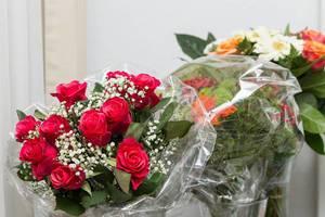 Blumensträuße: Rosen und Schnittblumen