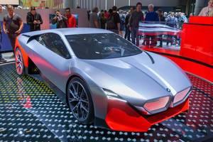 BMW Vision M Next: Hybridauto und i8-Nachfolger mit Flügeltüren,