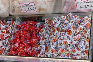 Bonbons mit Kirsche und Erdbeere Geschmack