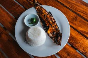 Boneless bangus grilled and served with rice