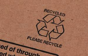 Box with recyclind symbol