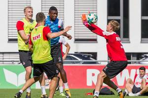 Brady Scott, Jhon Cordoba und Frederik Sørensen beim Training - 1. FC Köln beim Training - 1. FC Köln