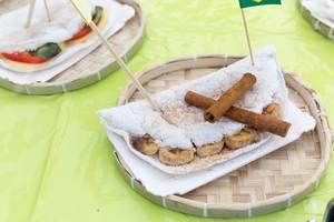 Brasilianische Süßigkeit: Banana mit Zimt und Zucker