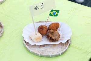 Brasilianisches Fingerfood: Pão de queijo Käsebällchen