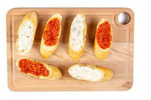 Bread Baguettes with Tomato and Tartar Sauce (Flip 2019)