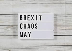 Brexit-Chaos: May stellt sich Radio-Hörer - der fordert sie zum Rücktritt auf | Politik