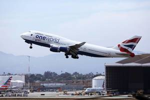 British Airways G-CIVI Boeing B747 taking off from Los Angeles Airport LAX