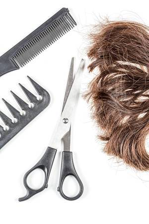 Brown hair with scissors and combs, top view (Flip 2020)