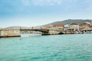 Brücke die Trau und Čiovo verbindet