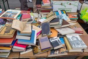 Bücher am Flohmarkt am Wiener Naschmarkt