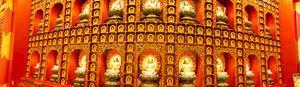 Buddha-Schrein in einem Tempel in Singapur