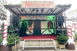 Bühne am Weihnachtsmarkt in Nikolausdorf