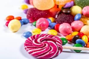 Bunte Bonbons Lutscher und Marmelade