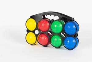 Bunte Kunststoff-Kugeln für Boule- und Boccia-Spiel im Tragekorb