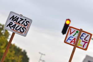 Bunter Protest gegen Rassismus und Fremdenfeindlichkeit