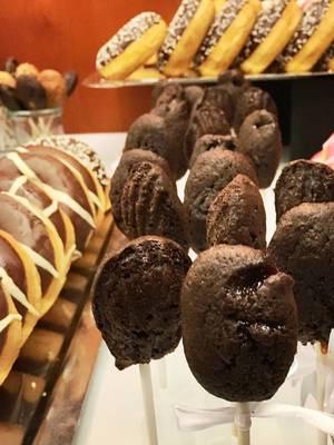 Cake Pops und Donuts