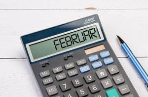 Calculator with the word Februar on the display