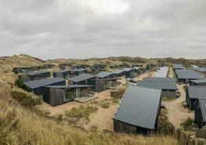 Campingpark Qurios mit modernen Ferienhäusern in Bloemendaal aan Zee in den Niederlanden
