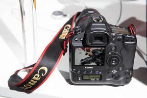 Canon: EOS 1D