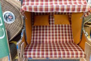 Canopied beach chair - Boot Düsseldorf 2018